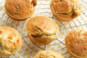 Hartige muffins met feta en zongedroogde tomaten en basilicum-3