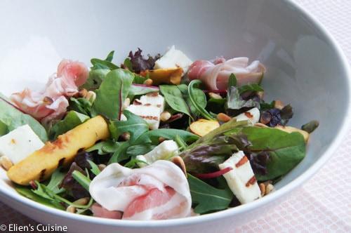 Salade met nectarine halloumi pancetta-1