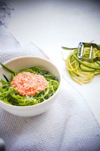 courgetti met paprika-cottage cheese