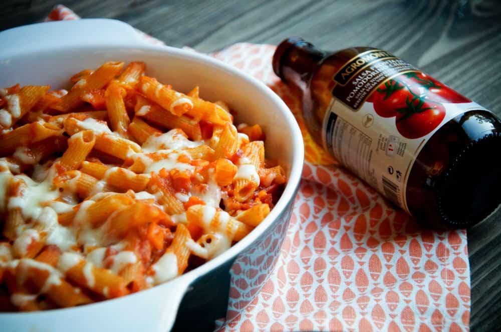 pastaovenschotel met tomatensaus