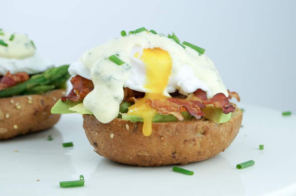 eggs benedict-