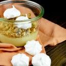 rabarber curd met crumble en meringue