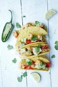 taco met vis, tomatensalso en avocadosaus