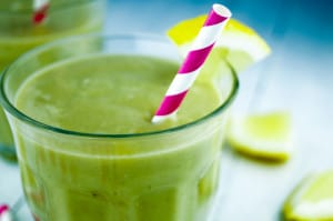smoothie met avocado banaan mango