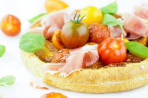 taartje met tomaat proscuitto burrata-1
