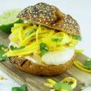 burger-met-kabeljauw-en-mangosalsa