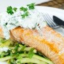gebakken-zalm-met-gewokte-aardappelen-en-groente-