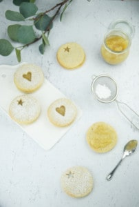 linzer-koekjes-met-bananenconfituur-1
