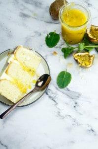 Cake met kokos en passievrucht curd-1