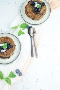 kaneelpannenkoekjes met kokos rozijnen blauwe bessen-1