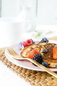 banana chocolate chip pancakes-1