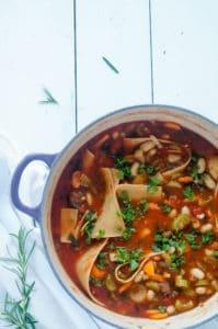 Maaltijdsoep pasta andijvie bonen-1