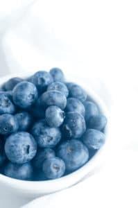 Creme Brulee met blauwe bessen