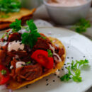 taco met traag gegaarde varkenswangetjes