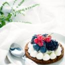 Speculaastaartjes met citroenroom en zomerfruit