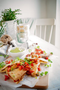 Quesadilla met kip en guacamole