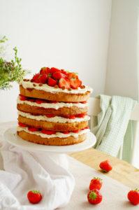 Biscuit met speculaas en aardbeienBiscuit met speculaas en aardbeien