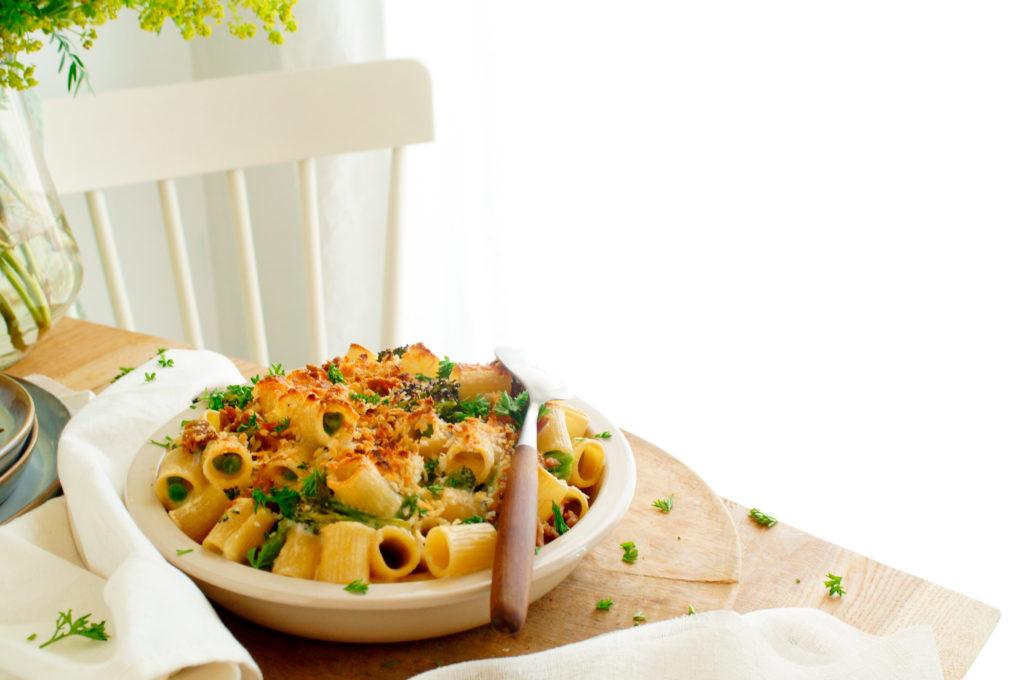 Pasta ovenschotel met tonijn, broccoli en erwtjes