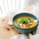 Preisoep met curry en surimi