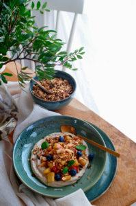 Cashew crème met appel en speculaas granola