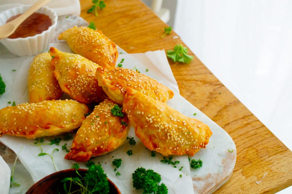 Empanadas met gehakt, spinazie en feta