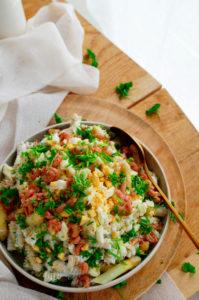 Pasta salade met asperges, garnalen en ricotta