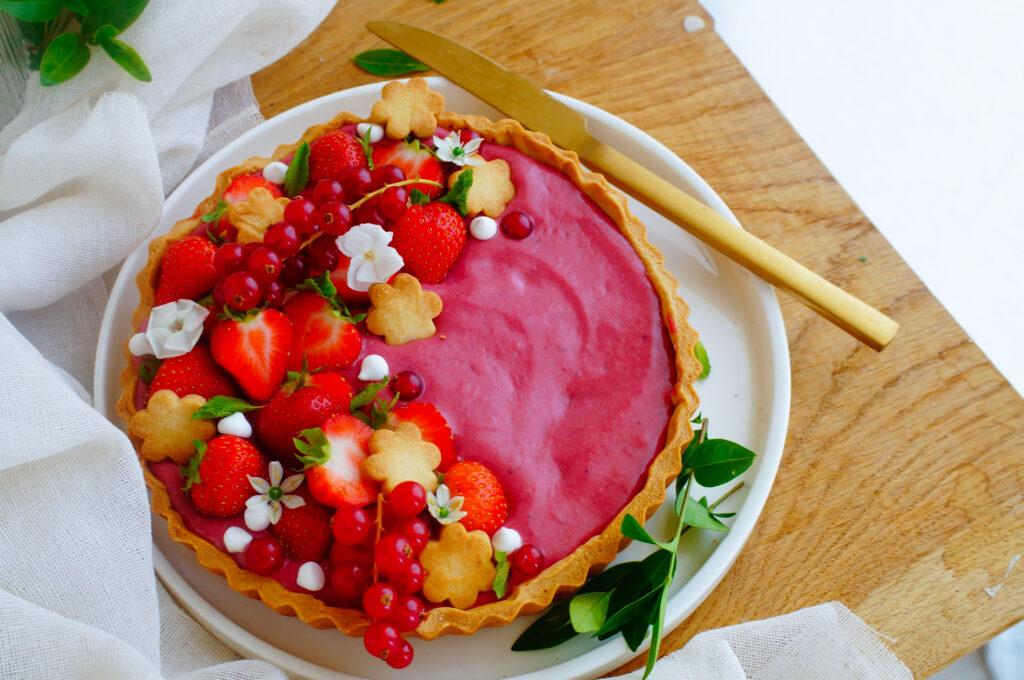 Taart met aardbeien curd