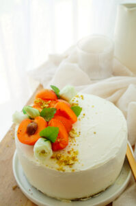 Cake met abrikozen, kamille en mascarpone