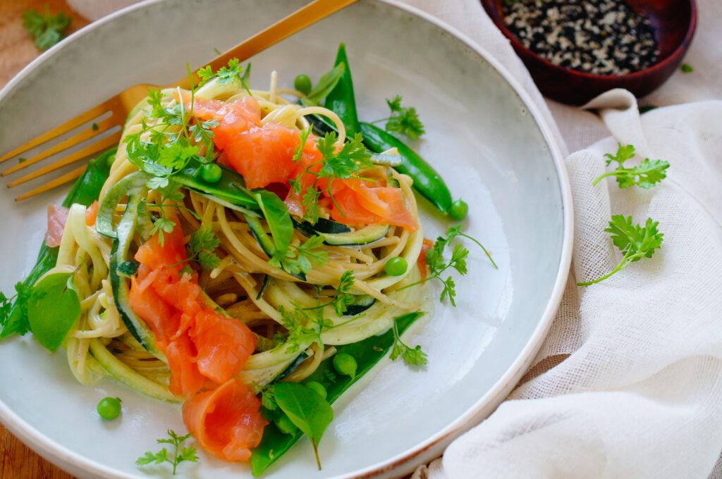 Spaghetti met courgette, zalm en ricottasaus