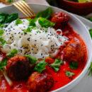 Thaise kipgehaktballetjes in currysaus