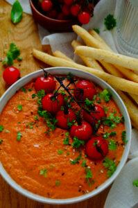 Dip met tomaten en paprika