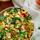 Fregola salade met nectarine, spinazie en mozzarella