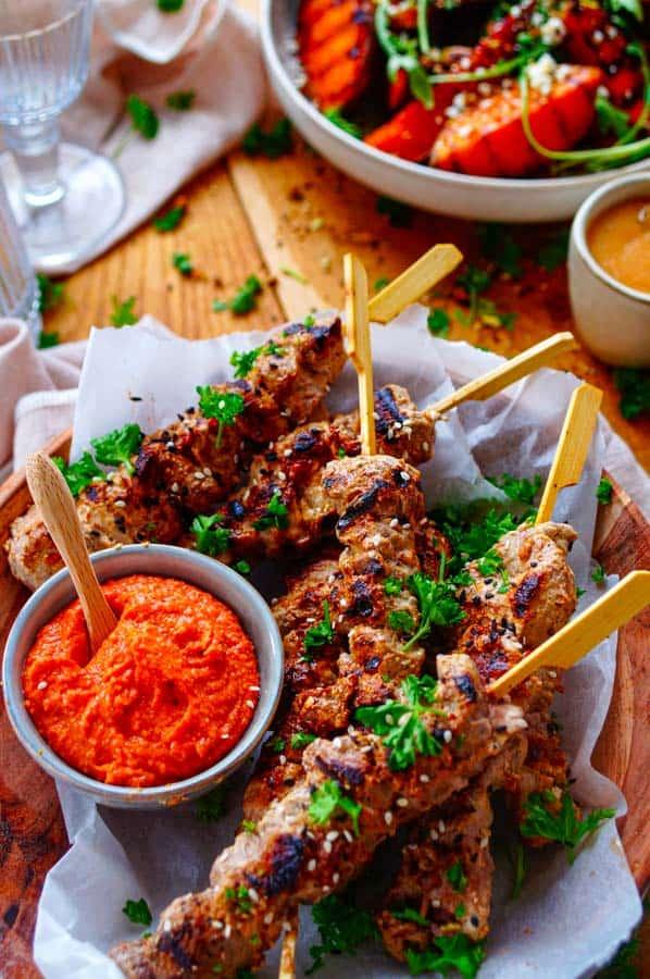 Biefstuk spiesjes met currysaus