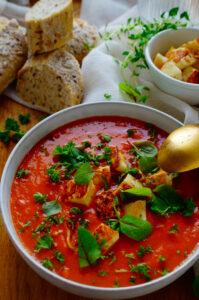 Venkel-Tomatensoep met halloumi