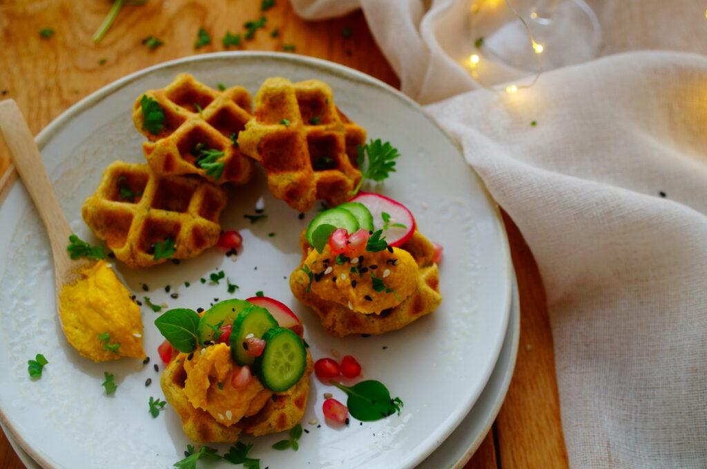 Falafel wafels met hummus