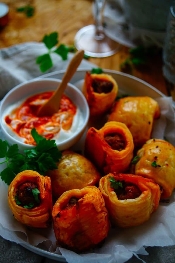 Worstenbroodjes met chorizo & harissa