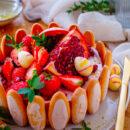 Charlotte taart met aardbeien & granaatappel