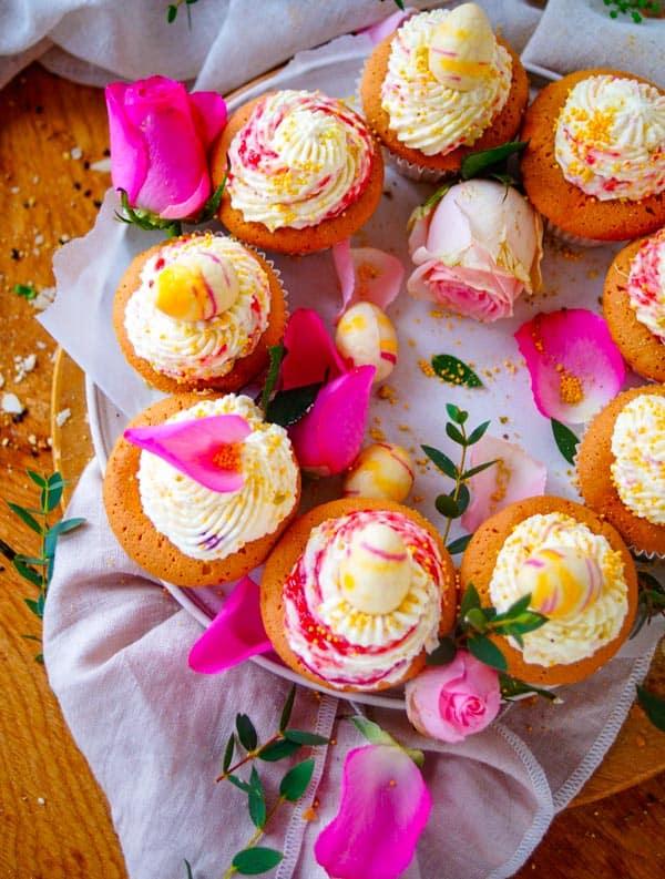 Cupcakes met frambozen & witte chocolade