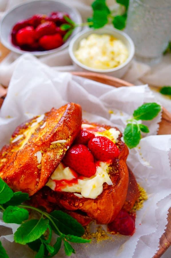 Wentelteefjes met mascarpone en aardbeien