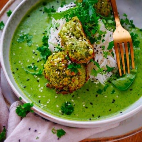 Vegetarische balletjes in kruidenroomsaus