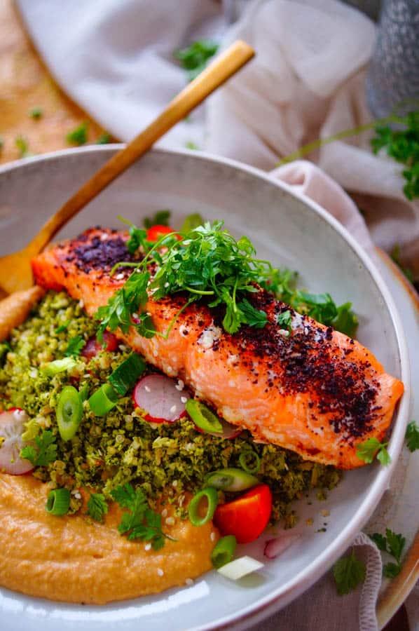 Geroosterde zalm met broccoli tabouleh